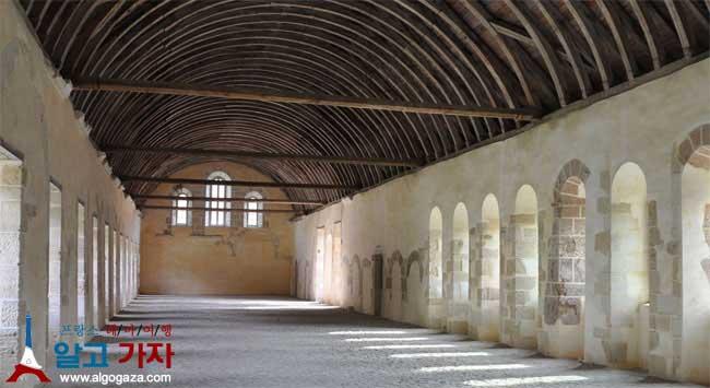 퐁트네 수도원